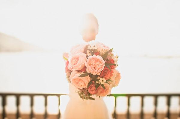 Ramo de peonías rosas