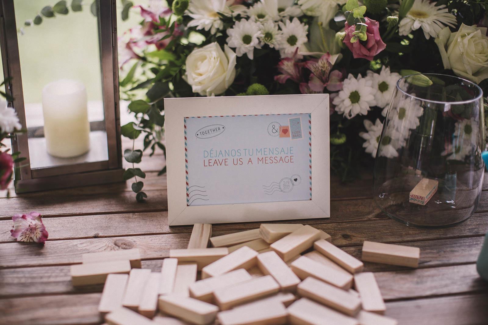 libro de firmas original para bodas, jenga, decoración boda en aboiz