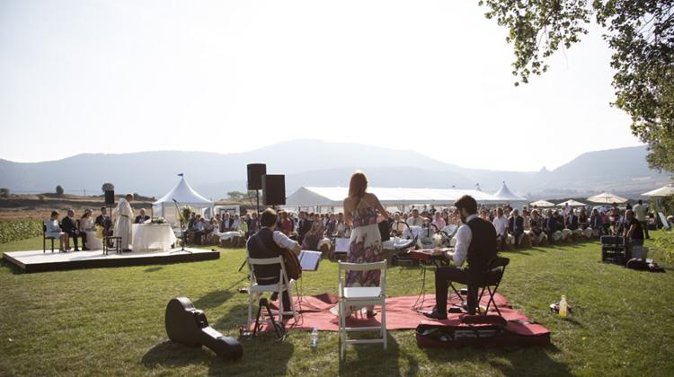 por qué contratar a una wedding planner profesional