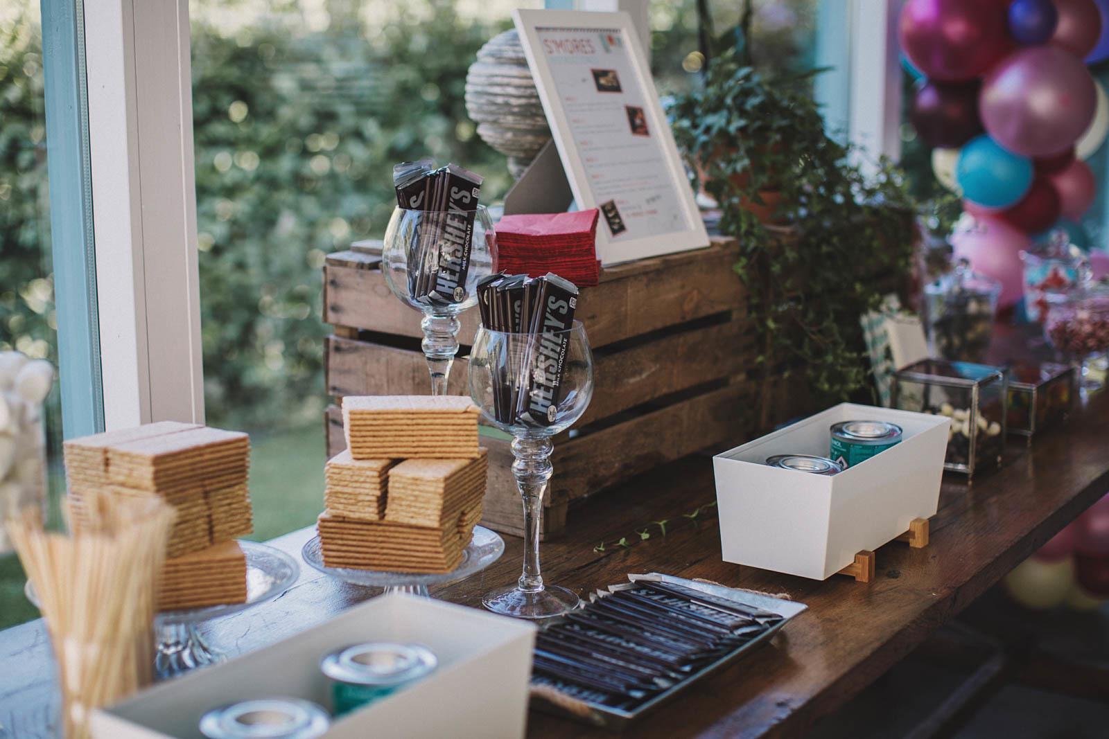 Smores Bar organizada por Conmemora Wedding Planner para boda en el Aboiz