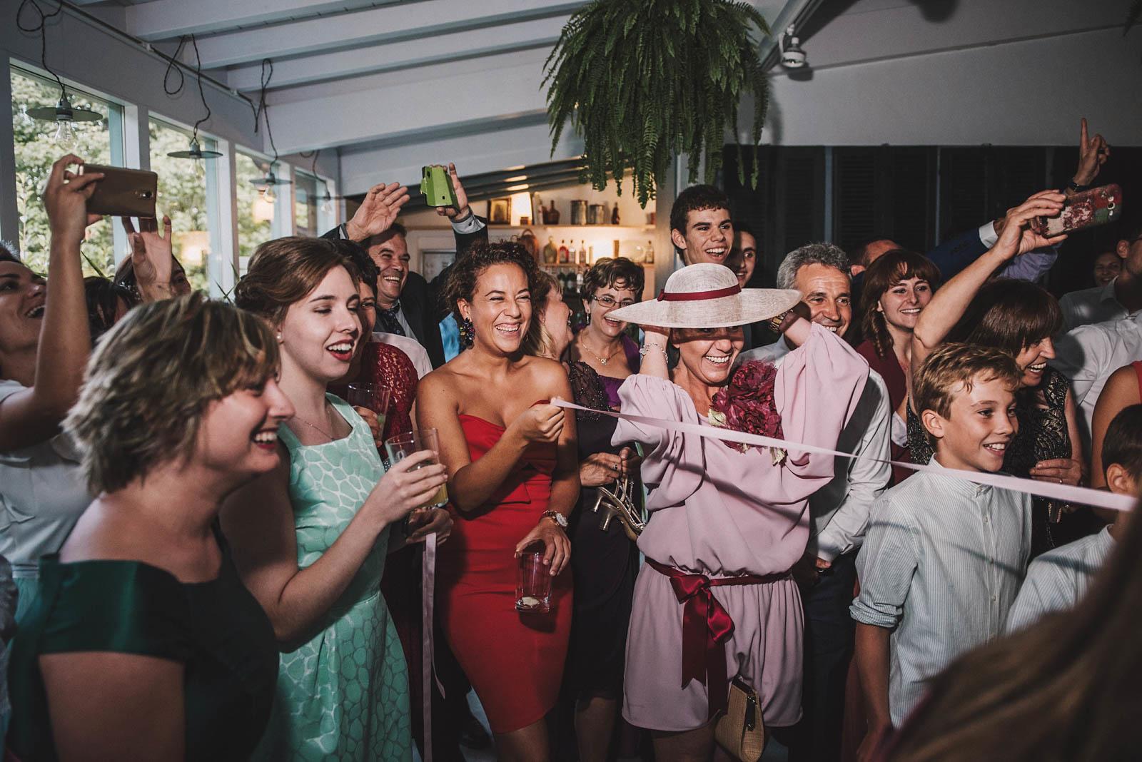Entrega original del ramo de novia, conmemora wedding planner